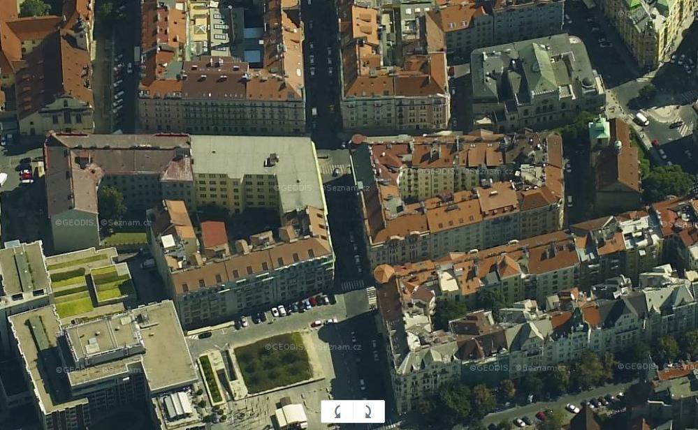 prague_roofs_top.jpg